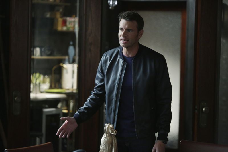 """SCANDAL - """"Paris is Burning"""" - Olivia and Fitz face some very big consequences and Mellie brings in an old friend to make sure she gets her way. Meanwhile, Abby shows Olivia she is fully capable of handling working at the White House, on """"Scandal,"""" THURSDAY OCTOBER 8 (9:00-10:00 p.m., ET) on the ABC Television Network. (ABC/Michael Desmond) SCOTT FOLEY"""