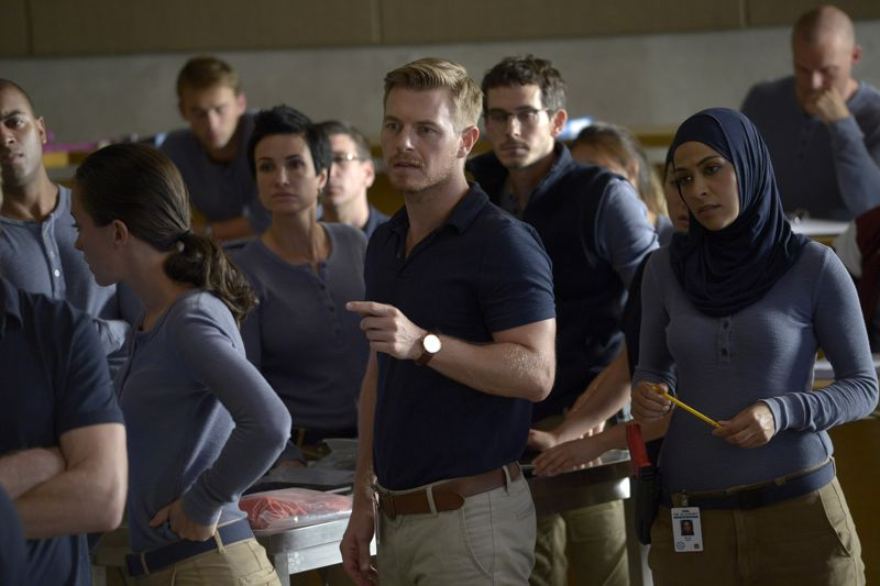 """QUANTICO - """"America"""" -- Alex is on the run and must outsmart Liam and his team to get into her apartment for anything that could help clear her name. Meanwhile, in a flashback to Quantico training, the NATS are tasked with finding a needle in a haystack while looking for potential threats to national security, on """"Quantico"""" SUNDAY, OCTOBER 4 (10:01--11:00 p.m., ET) on the ABC Television Network. (ABC/Phillippe Bosse) RICK COSNETT, TATE ELLINGTON, YASMINE AL MASSRI"""