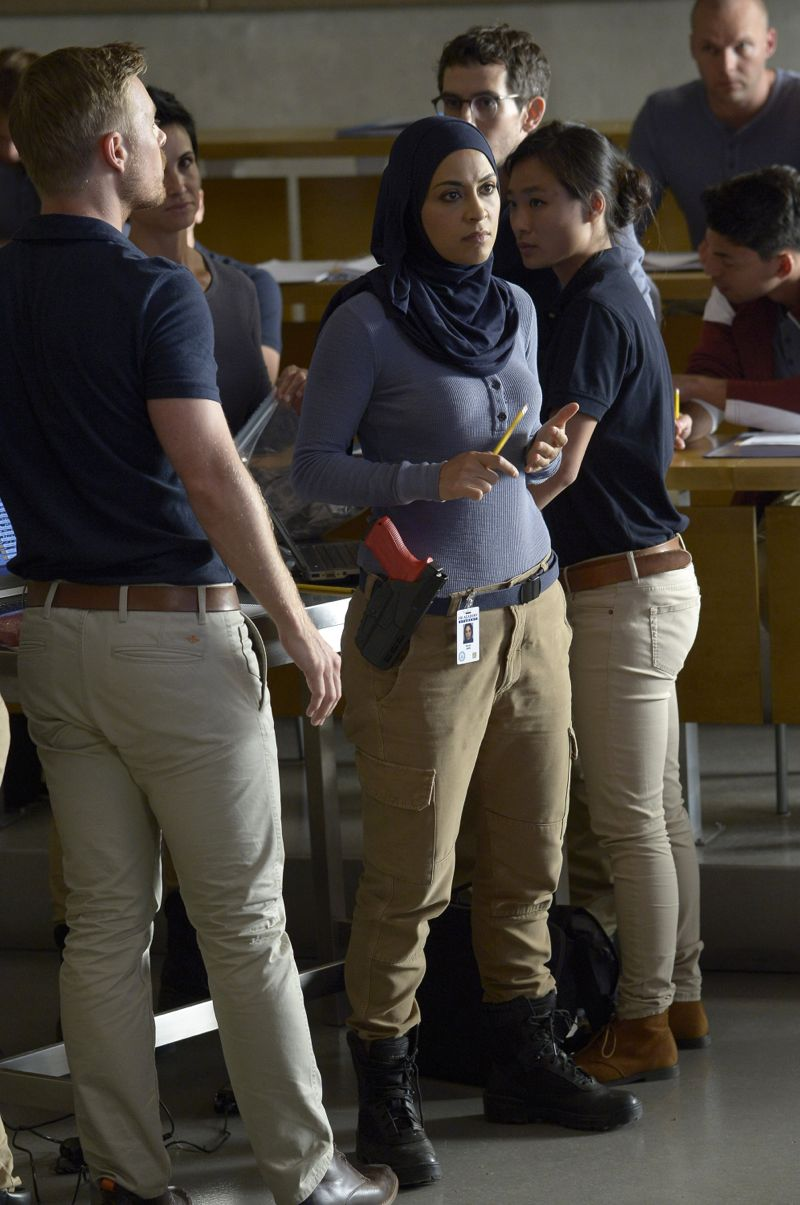 """QUANTICO - """"America"""" -- Alex is on the run and must outsmart Liam and his team to get into her apartment for anything that could help clear her name. Meanwhile, in a flashback to Quantico training, the NATS are tasked with finding a needle in a haystack while looking for potential threats to national security, on """"Quantico"""" SUNDAY, OCTOBER 4 (10:01--11:00 p.m., ET) on the ABC Television Network. (ABC/Phillippe Bosse) YASMINE AL MASSRI"""