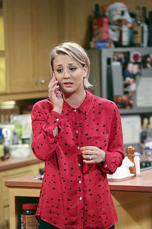 """""""The Bachelor Party Corrosion"""" -- The girls force Penny (Kaley Cuoco-Sweeting) to finally tell her family that she eloped with Leonard, on THE BIG BANG THEORY, Monday, Oct. 5 (8:00-8:31 PM, ET/PT), on the CBS Television Network. Photo: Monty Brinton/CBS ©2015 CBS Broadcasting, Inc. All Rights Reserved"""