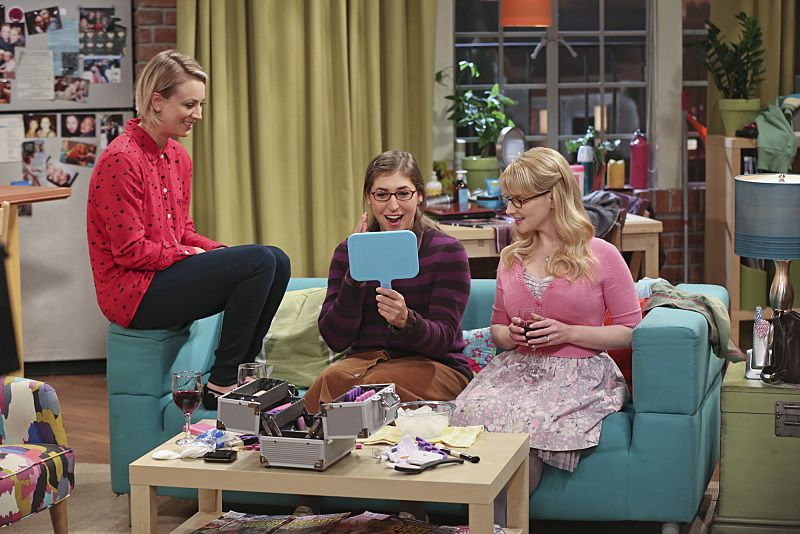 """""""The Bachelor Party Corrosion"""" -- The girls force Penny to finally tell her family that she eloped with Leonard, on THE BIG BANG THEORY, Monday, Oct. 5 (8:00-8:31 PM, ET/PT), on the CBS Television Network. Pictured left to right: Kaley Cuoco-Sweeting, Mayim Bialik and Melissa Rauch Photo: Monty Brinton/CBS ©2015 CBS Broadcasting, Inc. All Rights Reserved"""