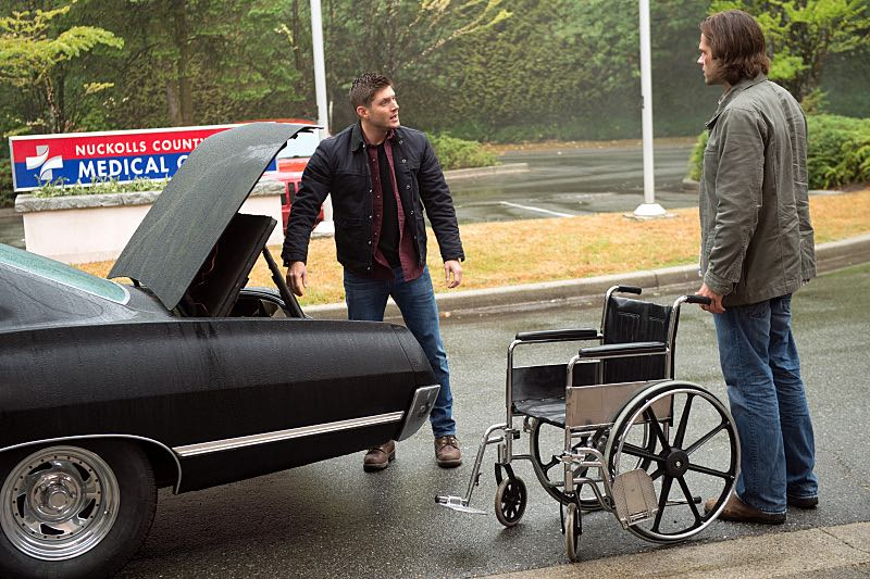 """Supernatural -- """"Out of the Darkness, Into the Fire"""" -- Image SN1102B_0019.jpg -- Pictured (L-R): Jensen Ackles as Dean and Jared Padalecki as Sam -- Photo: Diyah Pera/The CW -- © 2015 The CW Network, LLC. All Rights Reserved."""