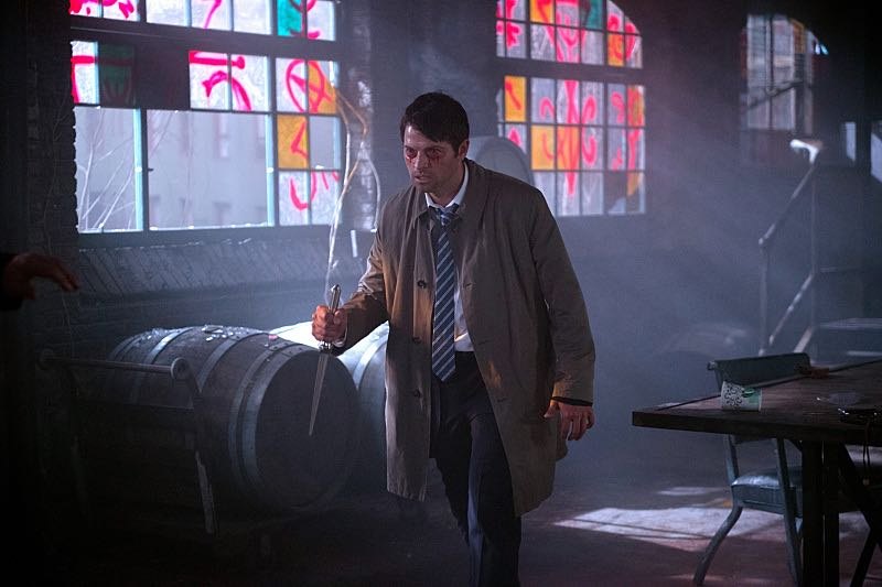 """Supernatural -- """"Out of the Darkness, Into the Fire"""" -- Image SN1102A_0055.jpg -- Pictured: Misha Collins as Castiel -- Photo: Diyah Pera/The CW -- © 2015 The CW Network, LLC. All Rights Reserved."""