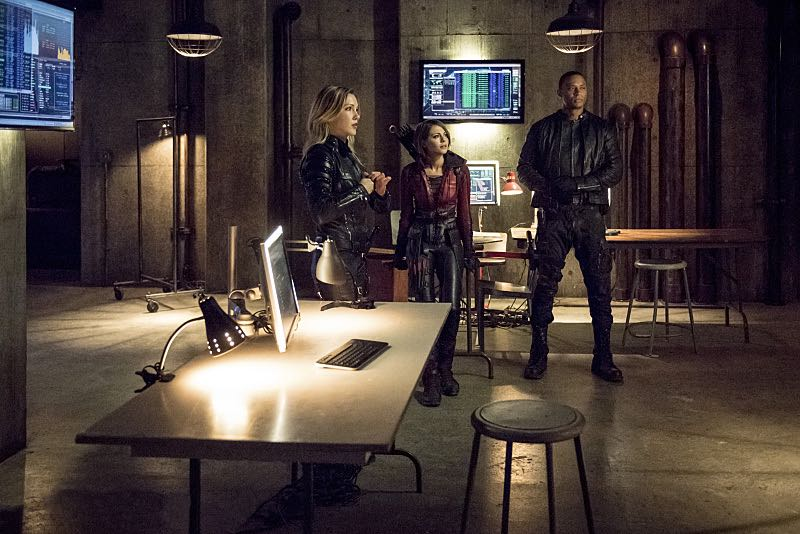 """Arrow -- """"Green Arrow"""" -- Image AR401A_0327b -- Pictured (L-R): Katie Cassidy as Laurel Lance, Willa Holland as Thea Queen and David Ramsey as John Diggle --Photo: Dean Buscher /The CW -- © 2015 The CW Network, LLC. All Rights Reserved."""