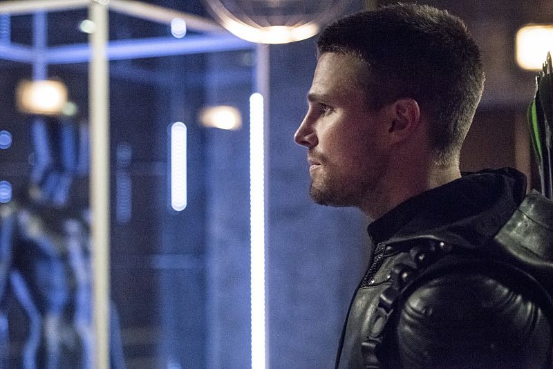 """Arrow -- """"Green Arrow"""" -- Image AR401A_0294b -- Pictured: Stephen Amell as Oliver Queen -- Photo: Dean Buscher /The CW -- © 2015 The CW Network, LLC. All Rights Reserved."""