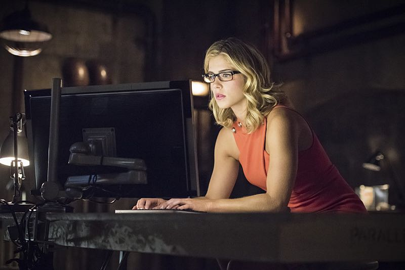 """Arrow -- """"Green Arrow"""" -- Image AR401A_0120b -- Pictured: Emily Bett Rickards as Felicity Smoak -- Photo: Dean Buscher /The CW -- © 2015 The CW Network, LLC. All Rights Reserved."""