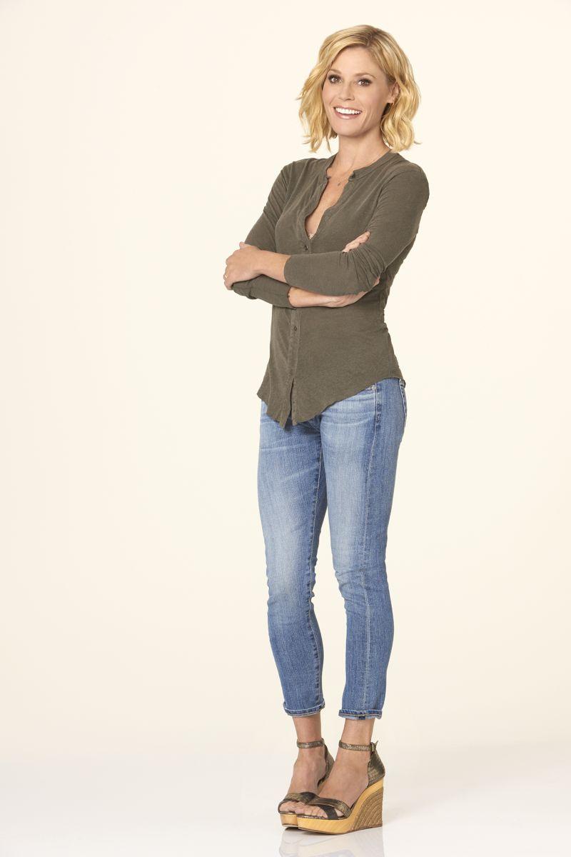 "MODERN FAMILY - ABC's ""Modern Family"" stars Julie Bowen as Claire Dunphy. (ABC/Bob D'Amico)"