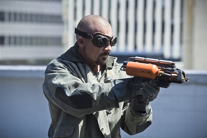 """The Flash -- """"The Man Who Saved Central City"""" -- Image FLA201c_0053b.jpg -- Pictured: Dominic Purcell as Heat Wave -- Photo: Cate Cameron /The CW -- © 2015 The CW Network, LLC. All rights reserved."""
