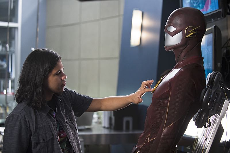 """The Flash -- """"The Man Who Saved Central City"""" -- Image FLA201b_BTS_0497b.jpg -- Pictured: Carlos Valdes as Cisco Ramon -- Photo: Cate Cameron /The CW -- © 2015 The CW Network, LLC. All rights reserved."""