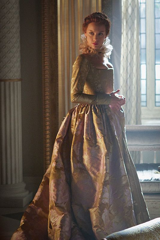 "Reign -- ""Three Queens, Two Tigers"" -- Image Number: RE301b_0157.jpg -- Pictured: Rachel Skarsten as Queen Elizabeth -- Photo: Sven Frenzel/The CW -- © 2015 The CW Network, LLC. All rights reserved."