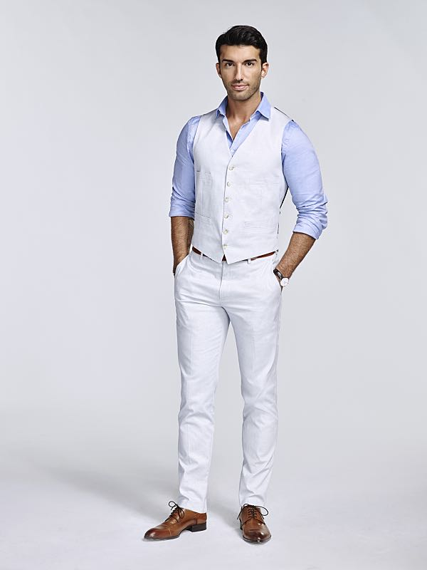 Jane The Virgin -- Image Number: JAV2_Rafael_1512.jpg -- Pictured: Justin Baldoni as Rafael -- Photo: Nino Muñoz/The CW -- © 2015 The CW Network, LLC. All rights reserved.