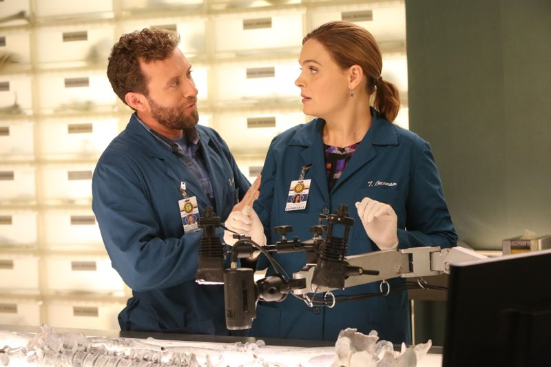 "BONES:  L-R:  TJ Thyne and Emily Deschanel in the ""The Loyalty in the Lie"" season premiere of BONES airing Thursday, Oct. 1 (8:00-9:00 PM ET/PT) on FOX.  ©2015 Fox Broadcasting Co.  Cr:  Patrick McElhenney/FOX"