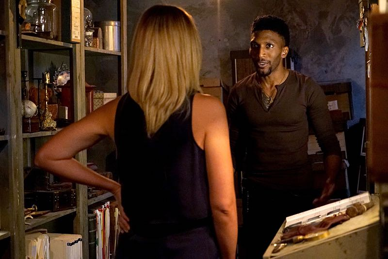 "The Originals -- ""The Axeman's Letter"" -- Image Number: OG305b_0019.jpg -- Pictured (L-R): Leah Pipes as Cami and Yusuf Gatewood as Vincent -- Photo: Annette Brown/The CW -- © 2015 The CW Network, LLC. All rights reserved."