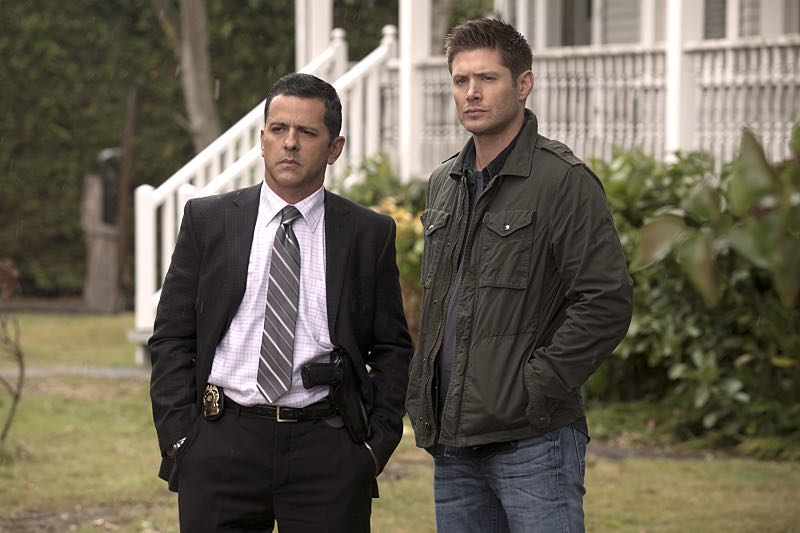 "Supernatural -- ""Thin Lizzie"" -- Image SN1105b_0066 -- Pictured (L-R): Claude Knowlton as Detective Madsen and Jensen Ackles as Dean -- Photo: Katie Yu/The CW -- © 2015 The CW Network, LLC. All Rights Reserved."