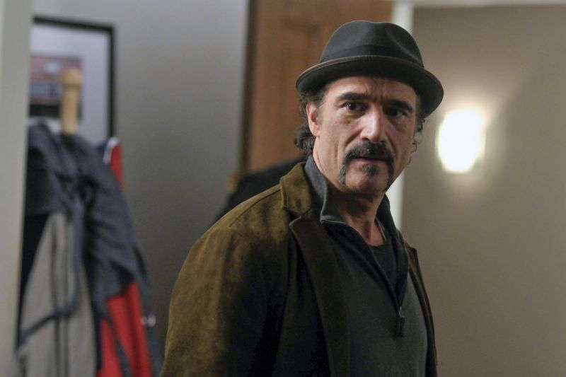 "CHICAGO P.D. -- ""A Dead Kid, A Notebook, and a Lot of Maybes"" Episode 307 -- Pictured: Elias Koteas as Alvin Olinsky -- (Photo by: Matt Dinerstein/NBC)"