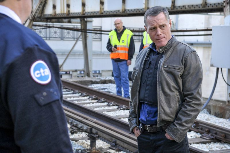 "CHICAGO P.D. -- ""A Dead Kid, A Notebook, and a Lot of Maybes"" Episode 307 -- Pictured: Jason Beghe as Hank Voight -- (Photo by: Matt Dinerstein/NBC)"