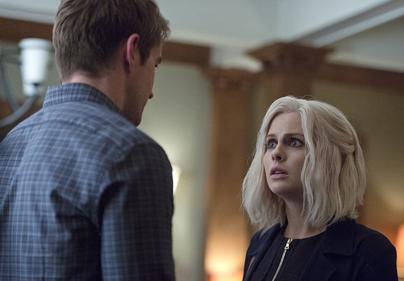 "iZombie -- ""Love & Basketball"" -- Image Number: ZMB205b_0303.jpg -- Pictured (L-R): Robert Buckley as Major and Rose McIver as Liv -- Photo: Cate Cameron/The CW -- © 2015 The CW Network, LLC. All rights reserved"