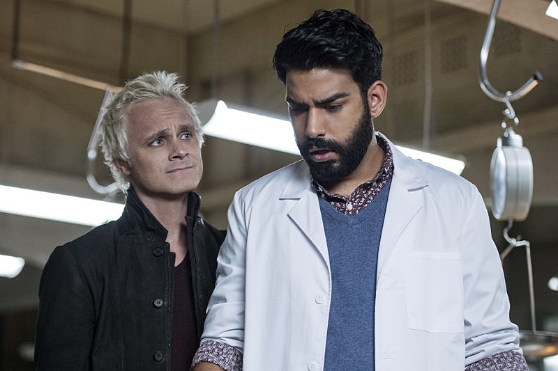 "iZombie -- ""Love & Basketball"" -- Image Number: ZMB205a_0077.jpg -- Pictured (L-R): David Anders as Blaine and Rahul Kohli as Ravi -- Photo: Cate Cameron/The CW -- © 2015 The CW Network, LLC. All rights reserved"