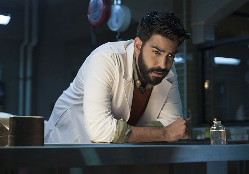 "iZombie -- ""Love & Basketball"" -- Image Number: ZMB205a_0014.jpg -- Pictured: Rahul Kohli as Ravi -- Photo: Cate Cameron/The CW -- © 2015 The CW Network, LLC. All rights reserved"