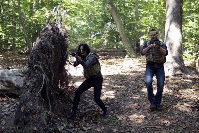 "BLINDSPOT -- ""Sent on Tour"" Episode 107 -- Pictured: (l-r) Jaimie Alexander as Jane Doe, Sullivan Stapleton as Kurt Weller -- (Photo by: Giovanni Rufino/NBC)"