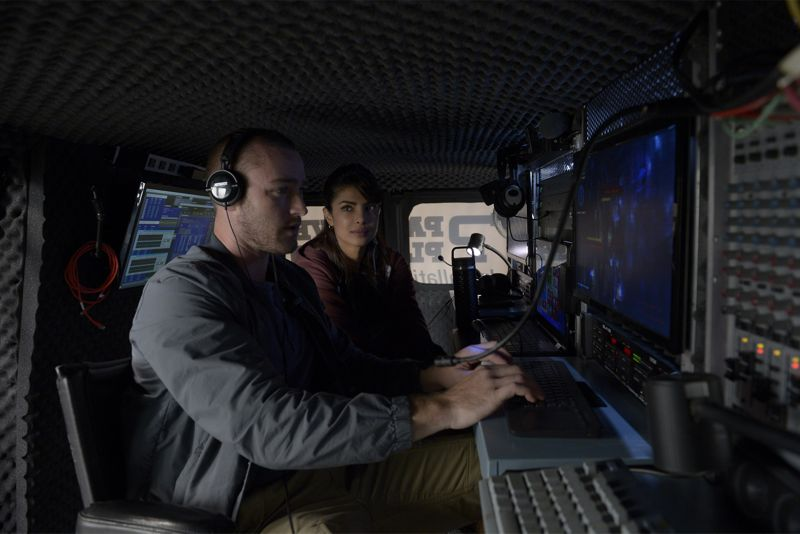 """QUANTICO - """"God"""" - The NATs learn surveillance by putting it into practice with Miranda and her troubled son, Charlie. Shelby tries to keep Caleb at a distance, but Raina opens the door to a closer relationship with Simon. In the future, Alex is helped when she tries to hack into an FBI computer, on """"Quantico,"""" SUNDAY, NOVEMBER 1 (10:01-11:00 p.m., ET) on the ABC Television Network. (ABC/Phillippe Bosse) JAKE MCLAUGHLIN, PRIYANKA CHOPRA"""