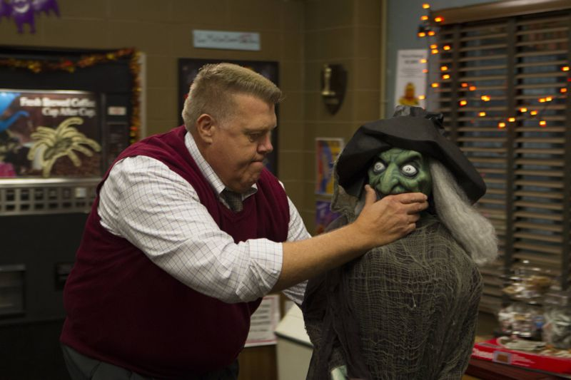 "BROOKLYN NINE-NINE: L-R: Joel McKinnon Miller in the ""Halloween 3"" episode of BROOKLYN NINE-NINE airing Sunday, Oct. 25 (8:30-9:00 PM ET/PT) on FOX.  ©2015 Fox Broadcasting Co. Cr: FOX"