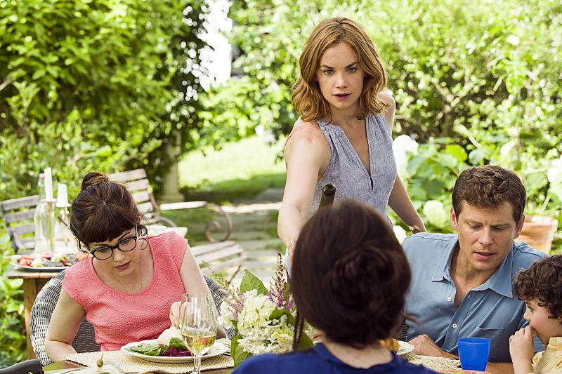 Ruth WIlson as Alison in The Affair (season 2, episode 5). - Photo: Mark Schafer/SHOWTIME - Photo ID: TheAffair_205_3397