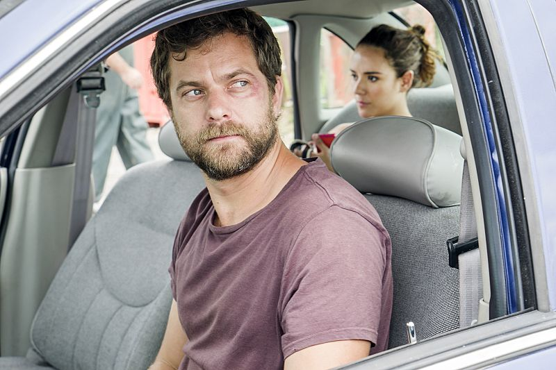 Joshua Jackson as Cole and Catalina Sandino Moreno as Luisa in The Affair (season 2, episode 5). - Photo: Mark Schafer/SHOWTIME - Photo ID: TheAffair_205_8794