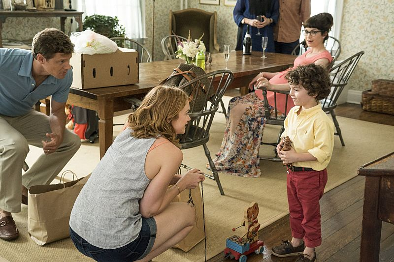 Ruth WIlson as Alison in The Affair (season 2, episode 5). - Photo: Mark Schafer/SHOWTIME - Photo ID: TheAffair_205_4264
