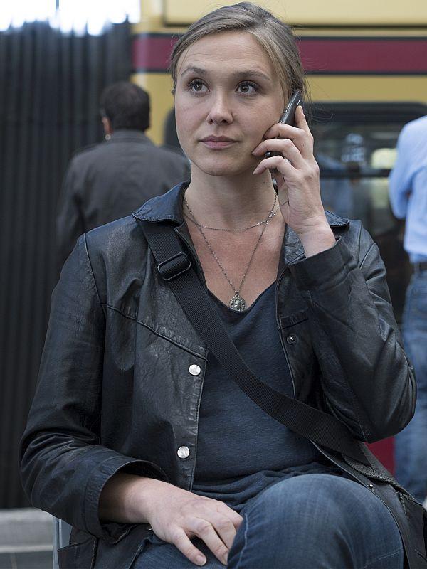 Sarah Sokolovic as Laura Sutton in Homeland (Season 5, Episode 5). - Photo: Stephan Rabold/SHOWTIME - Photo ID: Homeland_505_2031.R
