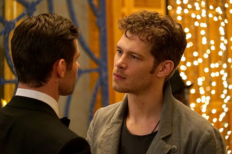 "The Originals -- ""A Walk on the Wild Side"" -- Image Number: OG304b_0318.jpg -- Pictured (L-R): Daniel Gillies as Elijah and Joseph Morgan as Klaus -- Photo: Annette Brown/The CW -- © 2015 The CW Network, LLC. All rights reserved."