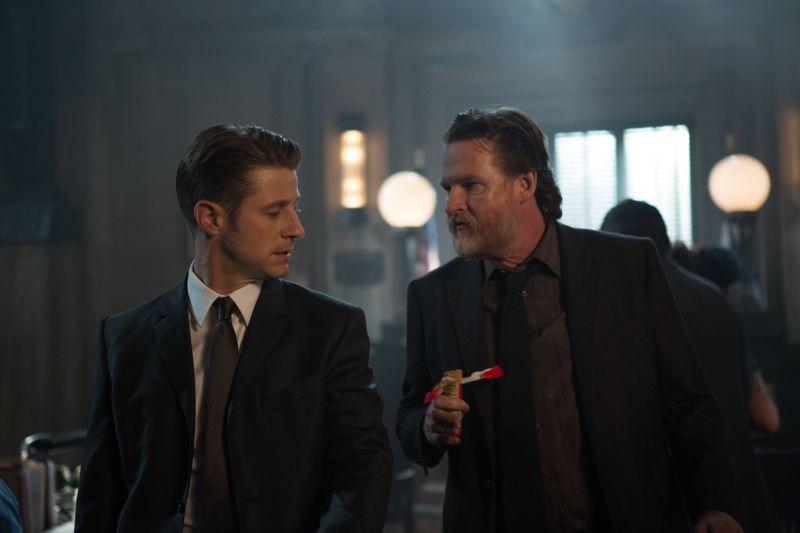 "GOTHAM: L-R: Benjamin McKenzie and Donal Logue in the ""Rise of the Villains: By Fire"" episode of GOTHAM airing Monday, Oct. 26 (8:00-9:00 PM ET/PT) on FOX. ©2015 Fox Broadcasting Co. Cr: Jessica Miglio/ FOX."