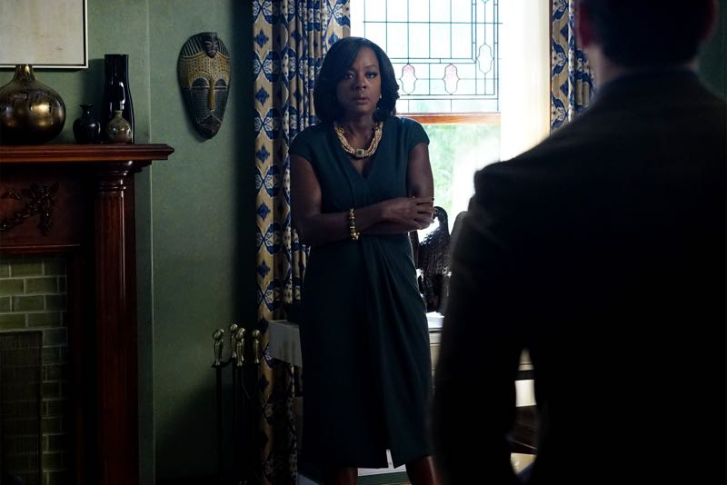 """HOW TO GET AWAY WITH MURDER - """"Two Birds, One Millstone"""" - Annalise takes on a new client, a transgender professor accused of killing her husband. Meanwhile, the Keating 5 are left to handle the Hapstall case and they discover a shocking new suspect, on  """"How to Get Away with Murder,"""" THURSDAY OCTOBER 29 (10:00-11:00 p.m., ET) on the ABC Television Network. (ABC/Richard Cartwright) VIOLA DAVIS"""