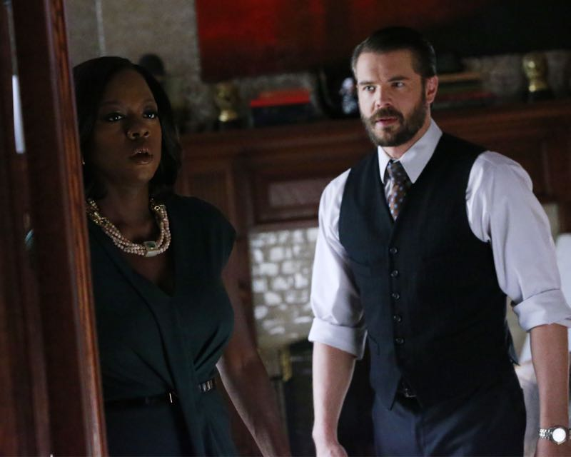 """HOW TO GET AWAY WITH MURDER - """"Two Birds, One Millstone"""" - Annalise takes on a new client, a transgender professor accused of killing her husband. Meanwhile, the Keating 5 are left to handle the Hapstall case and they discover a shocking new suspect, on  """"How to Get Away with Murder,"""" THURSDAY OCTOBER 29 (10:00-11:00 p.m., ET) on the ABC Television Network. (ABC/Richard Cartwright) VIOLA DAVIS, CHARLIE WEBER"""