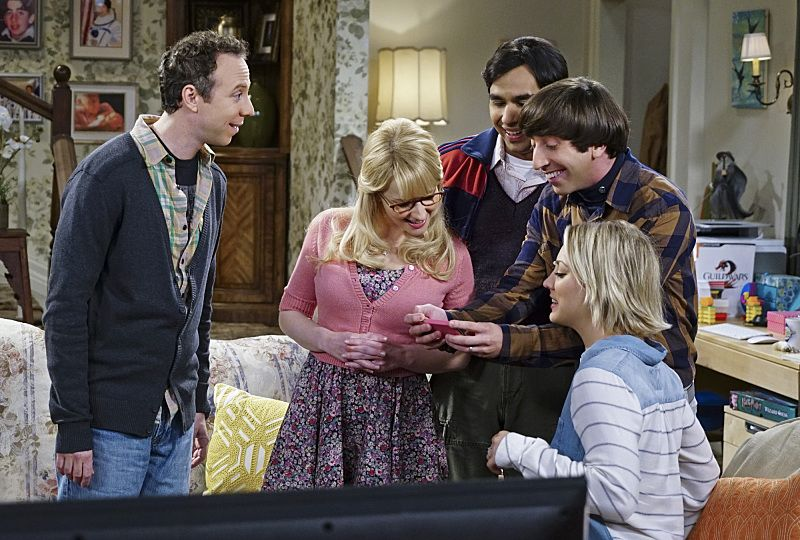 """The Helium Insufficiency"" -- Penny and Bernadette download a dating app on Amy's phone to try and find her a new man, on THE BIG BANG THEORY, Monday, Oct. 26 (8:00-8:30 PM, ET/PT), on the CBS Television Network. Pictured left to right: Kevin Sussman, Melissa Rauch, Kunal Nayyar, Simon Helberg and Kaley Cuoco Photo: Monty Brinton/CBS ©2015 CBS Broadcasting, Inc. All Rights Reserved"