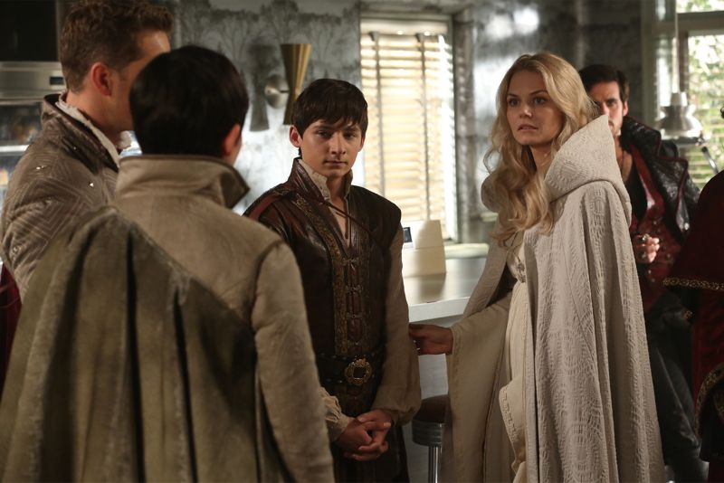 """ONCE UPON A TIME - """"Dreamcatcher"""" - In Camelot, as Mary Margaret and David attempt to retrieve the Dark One dagger, Emma uses a dreamcatcher to look into the past to see how Merlin was transformed into a tree. Together, Emma and Regina figure out the critical ingredient they must acquire to free Merlin, but it's a race against Arthur, who does not want Merlin released. Meanwhile, with encouragement from his moms, Henry musters up the courage to ask Violet on a date. Back in Storybrooke, the heroes break into Emma's house hoping to locate Gold, but what they find will give them a glimpse of Emma's end game. Far from prying eyes, Merida sets about the mission Emma has tasked her with and begins molding Gold into the hero they need to draw Excalibur, on """"Once Upon a Time,"""" SUNDAY, OCTOBER 25 (8:00-9:00 p.m., ET) on the ABC Television Network. (ABC/Jack Rowand) JOSH DALLAS, GINNIFER GOODWIN, JARED GILMORE, JENNIFER MORRISON, COLIN O'DONOGHUE"""