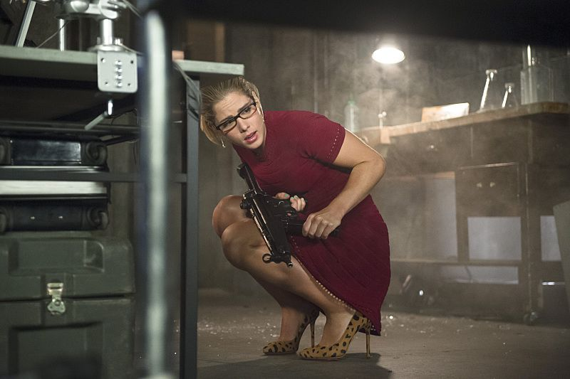 "Arrow -- ""Restoration"" -- Image AR403A_0101b.jpg -- Pictured: Emily Bett Rickards as Felicity Smoak -- Photo: Diyah Pera /The CW -- © 2015 The CW Network, LLC. All Rights Reserved."