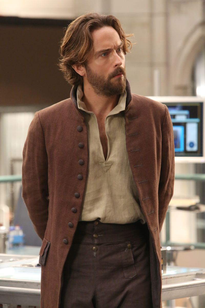 "BONES: Guest star Tom Mison in the special ""The Resurrection in the Remains"" BONES/SLEEPY HOLLOW crossover episode of BONES airing Thursday, Oct. 29 (8:00-9:00 PM ET/PT) on FOX. ©2015 Fox Broadcasting Co. Cr: Patrick McElhenney/FOX"