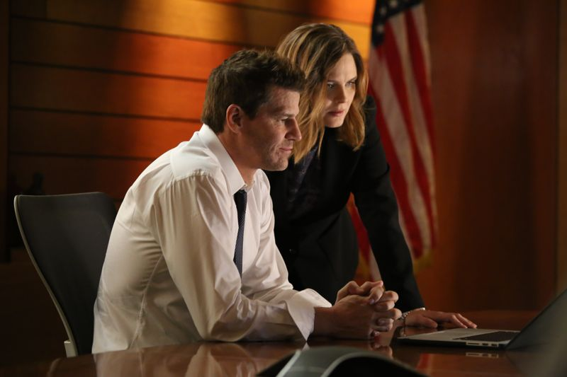 "BONES: L-R: David Boreanaz and Emily Deschanel in the special ""The Resurrection in the Remains"" BONES/SLEEPY HOLLOW crossover episode of BONES airing Thursday, Oct. 29 (8:00-9:00 PM ET/PT) on FOX. ©2015 Fox Broadcasting Co. Cr: Kevin Estrada/FOX"