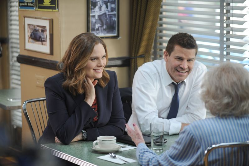"BONES: L-R: Emily Deschanel and David Boreanaz in the ""The Carpals in the Coy-Wolves"" episode of BONES airing Thursday, Oct. 22 (8:00-9:00 PM ET/PT) on FOX. ©2015 Fox Broadcasting Co. Cr:"