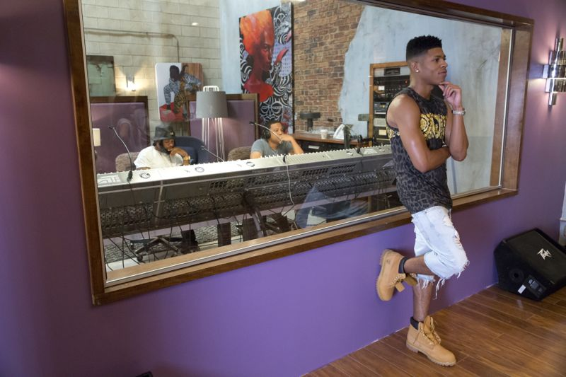 """EMPIRE: Bryshere Gray in the """"Be True"""" episode of EMPIRE airing Wednesday, Oct. 21 (9:00-10:00 PM ET/PT) on FOX. ©2015 Fox Broadcasting Co. Cr: Chuck Hodes/FOX."""
