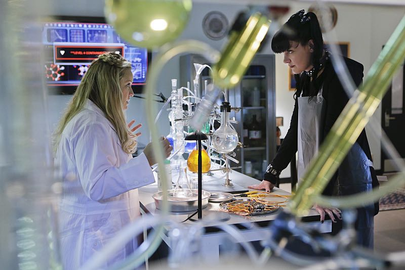 """Lockdown"" -- While visiting a pharmaceutical lab on a murder case, Abby (Pauley Perrette , right) is trapped with no communication to the outside world after armed men take over the building and hold everyone hostage, on NCIS, Tuesday, Oct. 20 (8:00-9:00 PM, ET/PT), on the CBS Television Network. Also pictured: Lucy Davis Photo: Sonja Flemming/CBS ©2015 CBS Broadcasting, Inc. All Rights Reserved"