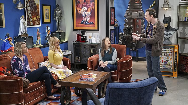 """""""The Perspiration Implementation"""" -- When Stuart struggles to get female customers at the Comic Book Store, Penny, Amy and Bernadette come by to help him out, on THE BIG BANG THEORY, Monday, Oct. 19 (8:00-8:31 PM, ET/PT), on the CBS Television Network. Pictured left to right: Kaley Cuoco, Melissa Rauch, Mayim Bialik and Kevin Sussman Photo: Monty Brinton/CBS ©2015 CBS Broadcasting, Inc. All Rights Reserved"""