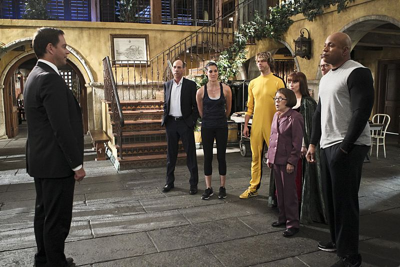 """""""Blame It On Rio"""" -- Pictured: Special Agent DiNozzo (Michael Weatherly), Miguel Ferrer (NCIS Assistant Director Owen Granger), Daniela Ruah (Special Agent Kensi Blye), Eric Christian Olsen (LAPD Liaison Marty Deeks), Linda Hunt (Henrietta """"Hetty"""" Lange), Renée Felice Smith (Intelligence Analyst Nell Jones) and LL COOL J (Special Agent Sam Hanna). NCIS Special Agent DiNozzo (Michael Weatherly) partners with the NCIS: Los Angeles team to search the city after his prisoner escapes custody on a flight from Singapore to Los Angeles, on NCIS: LOS ANGELES, Monday, Oct. 19 (9:59-11:00 PM, ET/PT), on the CBS Television Network. Photo: Sonja Flemming/CBS ©2015 CBS Broadcasting, Inc. All Rights Reserved."""