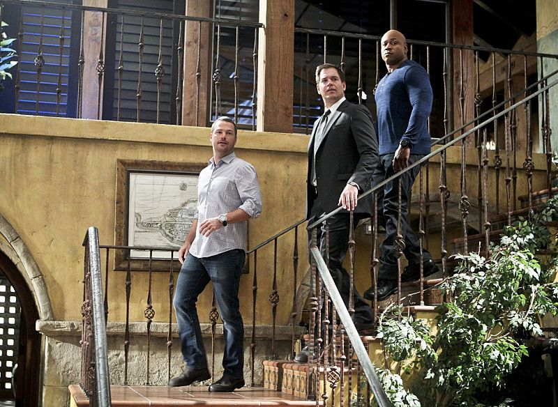 """""""Blame It On Rio"""" -- Pictured: Chris O'Donnell (Special Agent G. Callen), Special Agent DiNozzo (Michael Weatherly) and LL COOL J (Special Agent Sam Hanna). NCIS Special Agent DiNozzo (Michael Weatherly) partners with the NCIS: Los Angeles team to search the city after his prisoner escapes custody on a flight from Singapore to Los Angeles, on NCIS: LOS ANGELES, Monday, Oct. 19 (9:59-11:00 PM, ET/PT), on the CBS Television Network. Photo: Sonja Flemming/CBS ©2015 CBS Broadcasting, Inc. All Rights Reserved."""