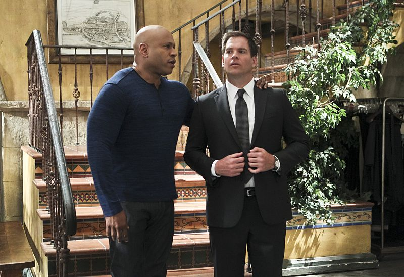 """""""Blame It On Rio"""" -- Pictured: LL COOL J (Special Agent Sam Hanna) and Special Agent DiNozzo (Michael Weatherly). NCIS Special Agent DiNozzo (Michael Weatherly) partners with the NCIS: Los Angeles team to search the city after his prisoner escapes custody on a flight from Singapore to Los Angeles, on NCIS: LOS ANGELES, Monday, Oct. 19 (9:59-11:00 PM, ET/PT), on the CBS Television Network. Photo: Sonja Flemming/CBS ©2015 CBS Broadcasting, Inc. All Rights Reserved."""