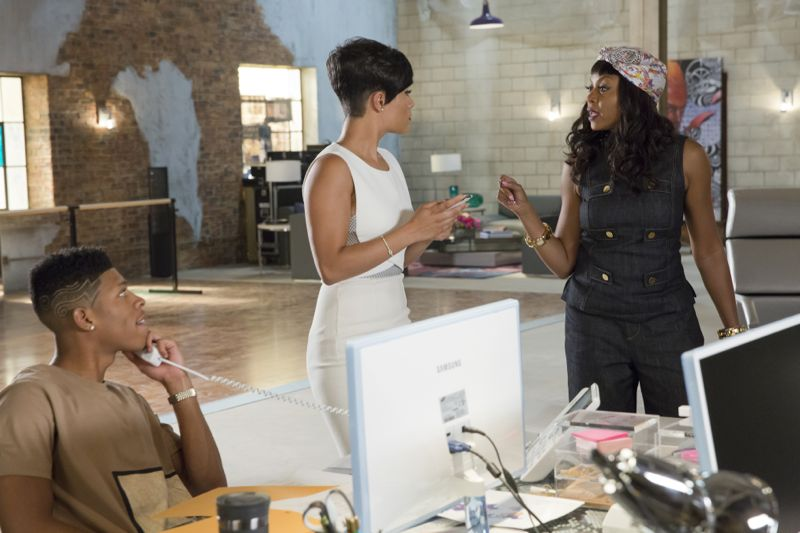 """EMPIRE: Pictured L-R: Bryshere Gray as Hakeem Lyon, Grace Gealey as Anika and Taraji P. Henson as Cookie Lyon in the """"Poor Yorick"""" episode of EMPIRE airing Wednesday, Oct. 14 (9:00-10:00 PM ET/PT) on FOX. ©2015 Fox Broadcasting Co. Cr: Chuck Hodes/FOX."""
