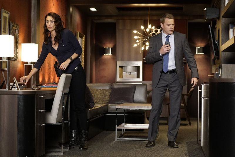 "THE BLACKLIST -- ""Eli Matchett"" Episode 303 -- Pictured: (l-r) Mozhan Marno as Samar Navabi, Diego Klattenhoff as Donald Ressler -- (Photo by: Peter Kramer/NBC)"