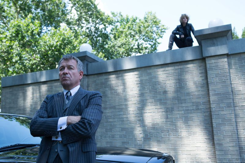 """GOTHAM: (L-R) Alfred (Sean Pertwee) and Selina (Camren Bicondova) in the """"Rise of the Villains: Strike Force"""" episode of GOTHAM airing Monday, Oct. 12 (8:00-9:00 PM ET/PT) on FOX. ©2015 Fox Broadcasting Co. Cr: FOX."""