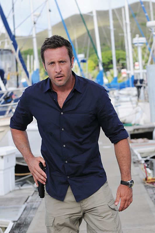 """""""Ua 'o'oloku ke anu i na mauna"""" -- While Five-0 investigates a scuba diver's death from a gun recently used in another murder, McGarrett prepares to propose to Catherine, on HAWAII FIVE-0, Friday, Oct. 9 (9:00-10:00 PM, ET/PT), on the CBS Television Network. (*""""Ua 'o'oloku ke anu i na mauna"""" is Hawaiian for """"The Chilling Storm is on the Mountain"""") Steve McGarrett (Alex O'Loughlin), shown. Photo: Norman Shapiro/CBS ©2015 CBS Broadcasting, Inc. All Rights Reserved"""